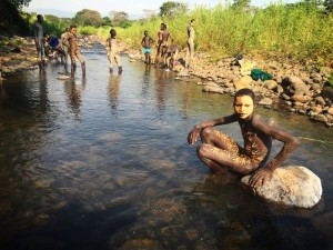 Glenda E Jones – Trip to the Suri Tribe in Upper Omo, Ethiopia