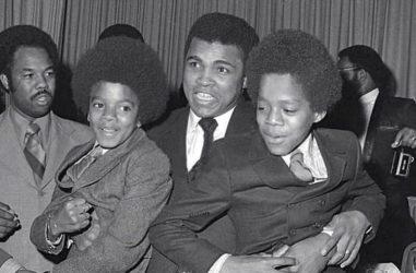 Muhammad Ali and Young Michael Jackson (L)  & Marlon Jackson. ATNOSE)