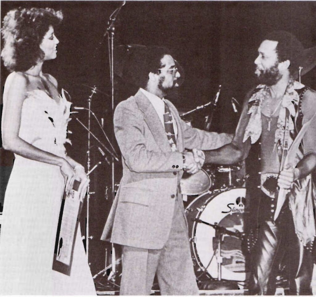 Roy Ayres receives the key to the city of Cleveland presented by Councilman Michael White and Phyllis Hyman